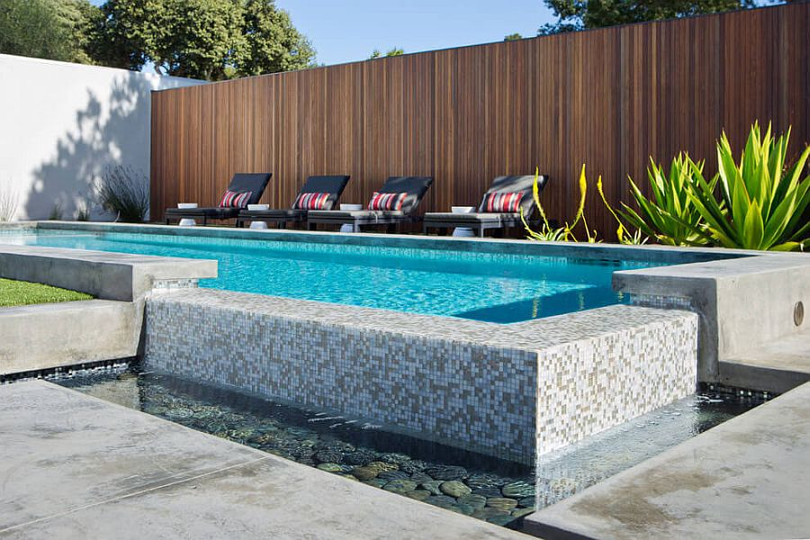 LA home combines the reflecting pool and the swimming pool designs elegantly