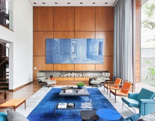 Casa IV in São Paulo: A Visual Treat Laced with Color and Contemporary Flair