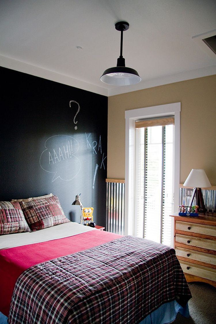 35 bedrooms that revel in the beauty of chalkboard paint 14652 | let your kid express himself with a cool chalkboard paint wall
