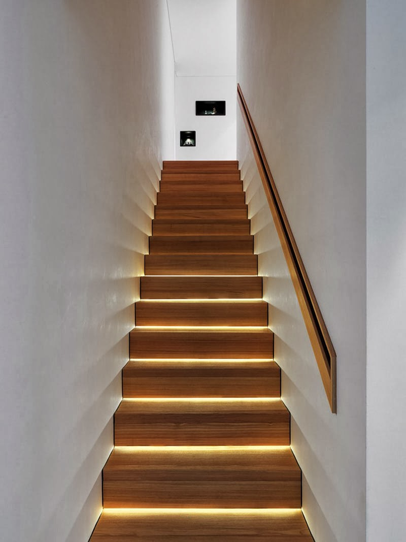 15 modern staircases with spectacular lighting - Tete de marche escalier ...