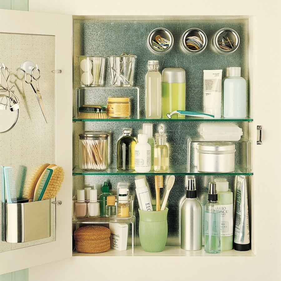 Magnetic medicine cabinet helps with organization