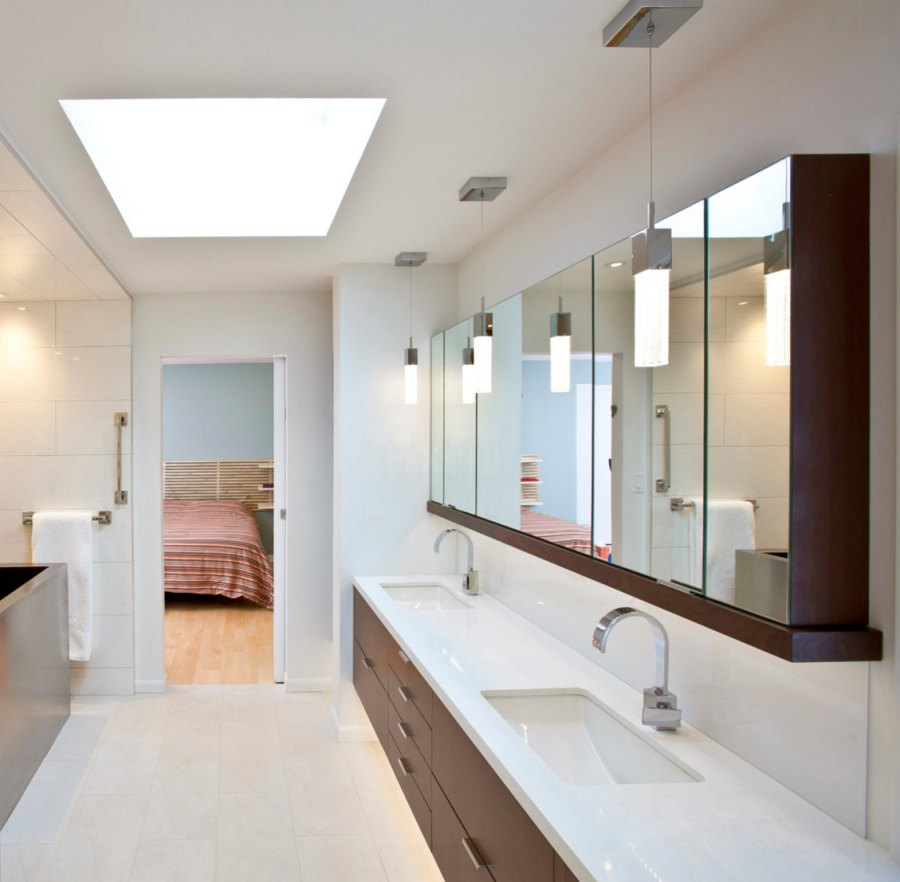 Modern bathroom medicine cabinets - View In Gallery Medicine Cabinets With Wooden Accents