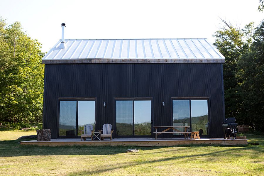 Metal exterior gives the home greater ability to combat winter chills