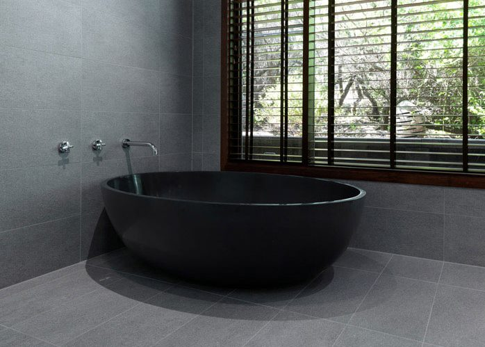 Modern black bathtub from Apaiser