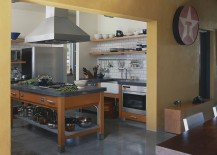 Modern-industrial-kitchen-that-places-emphasis-on-functionality-217x155