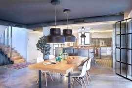 Apartment in Benicàssim: Relaxed Beach Life Wrapped in Industrial Flair