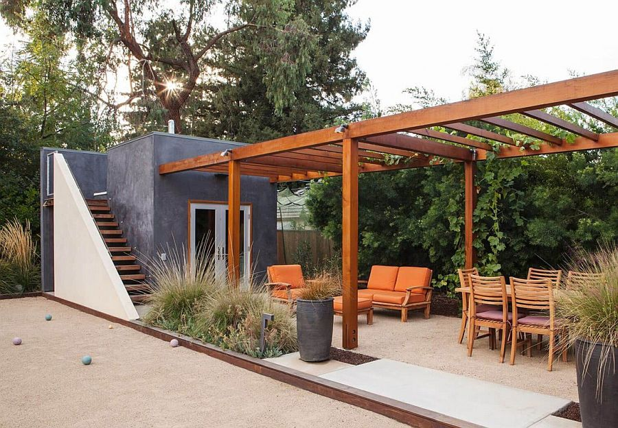 Outdoor lounge and dining space of the stylish Californian home