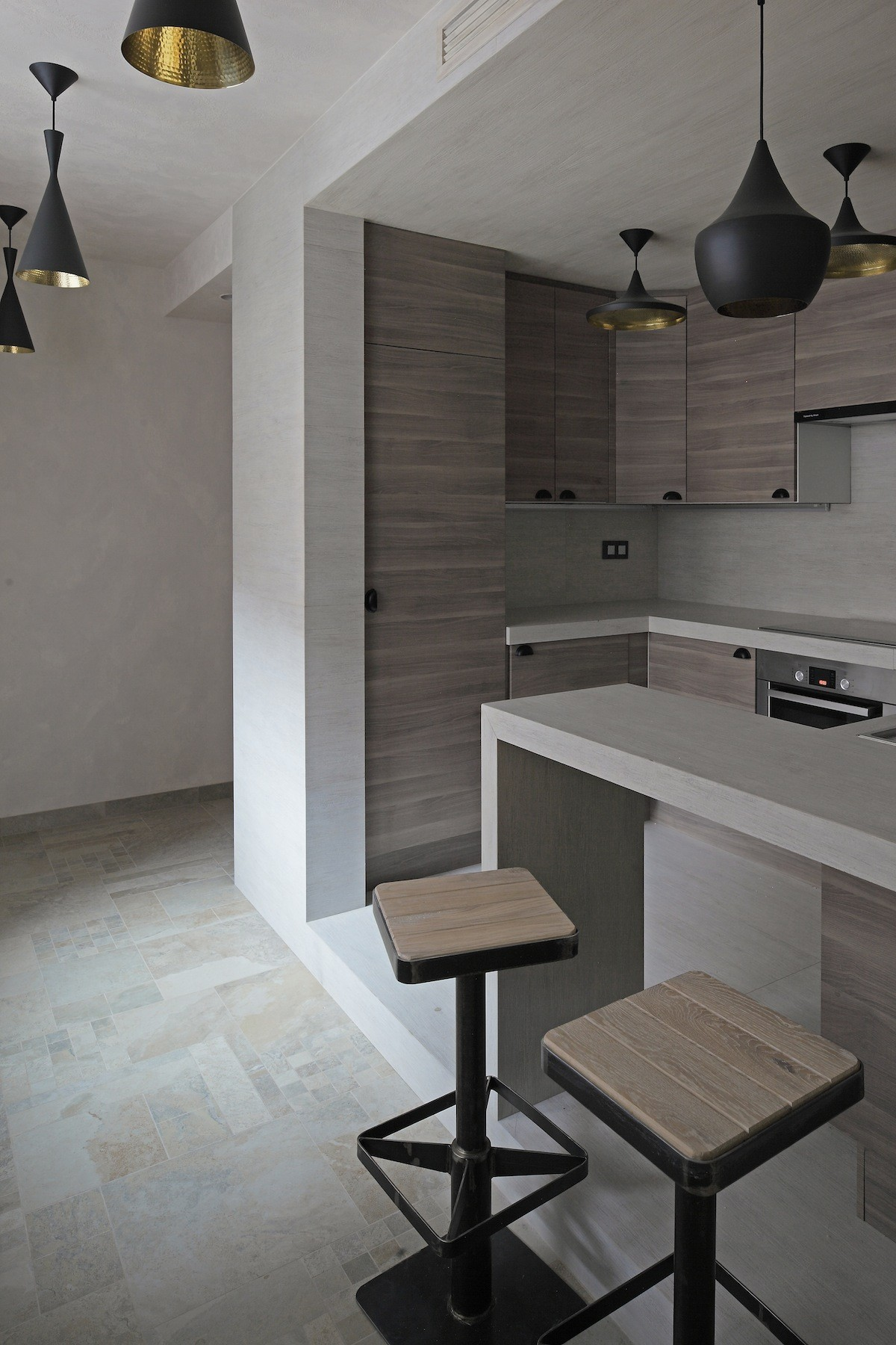 Peter Kostelov Smolenka Oak Tube Apartment kitchen