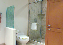 Rain glass provides bathroom privacy 217x155 The Many Uses of Rain Glass