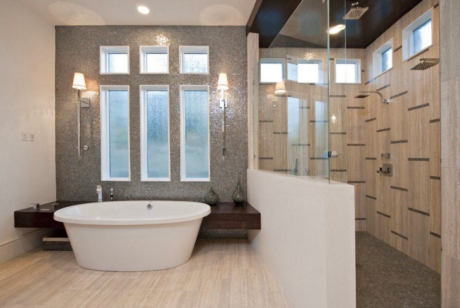Rain glass windows create tub privacy