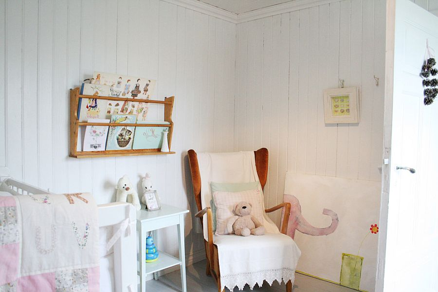 Small and cozy nursery design idea [Design: FRYD + Design]