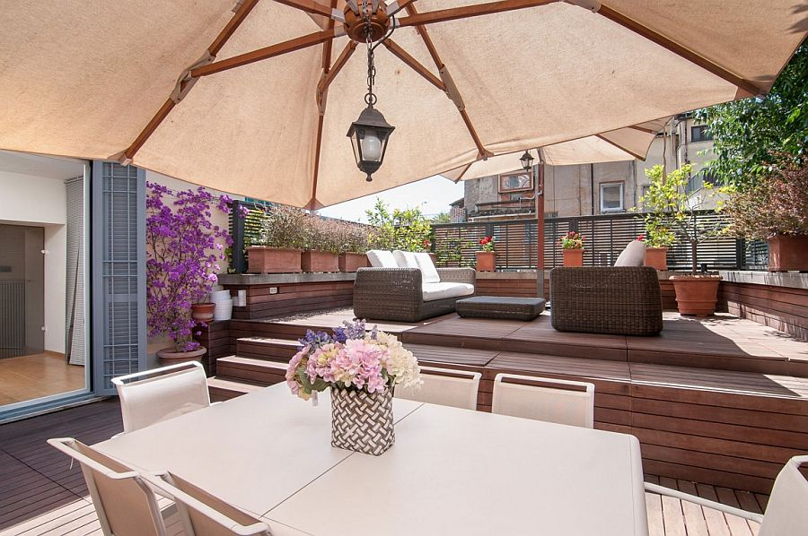 Small rooftop deck decorating idea and relaxing outdoor decor