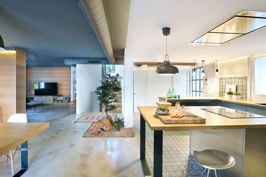 Touch of greenery for the indoors next to the kitchen