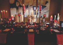Here are 20 fabulous table setting ideas that will get you into the Halloween spirit. & 20 Halloween-Inspired Table Settings to Wow Your Dinner Party Guests