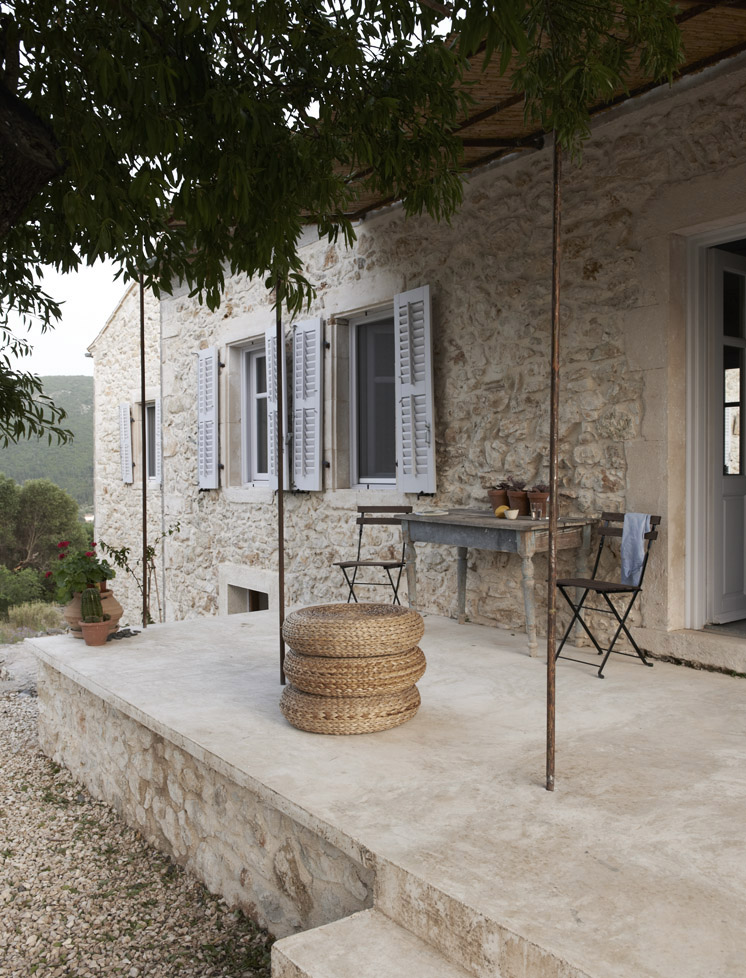 Villa Kalos outdoor terrace