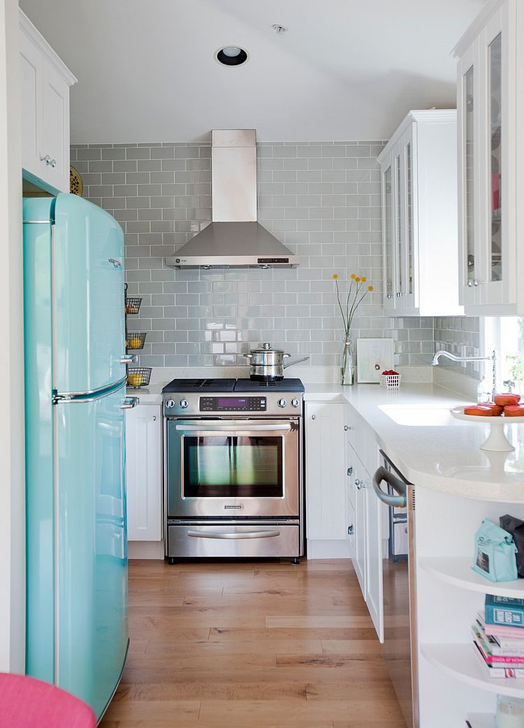 Vintage refrigerator in cool blue defines the look of this smart kitchen [Design: The Cross Interior Design]