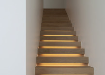Wood staircase with lighting that creates a soft glow 217x155 15 Modern Staircases with Spectacular Lighting