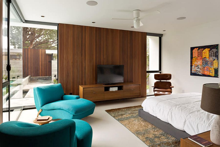 Wooden accent wall for the bedroom with entertainment unit