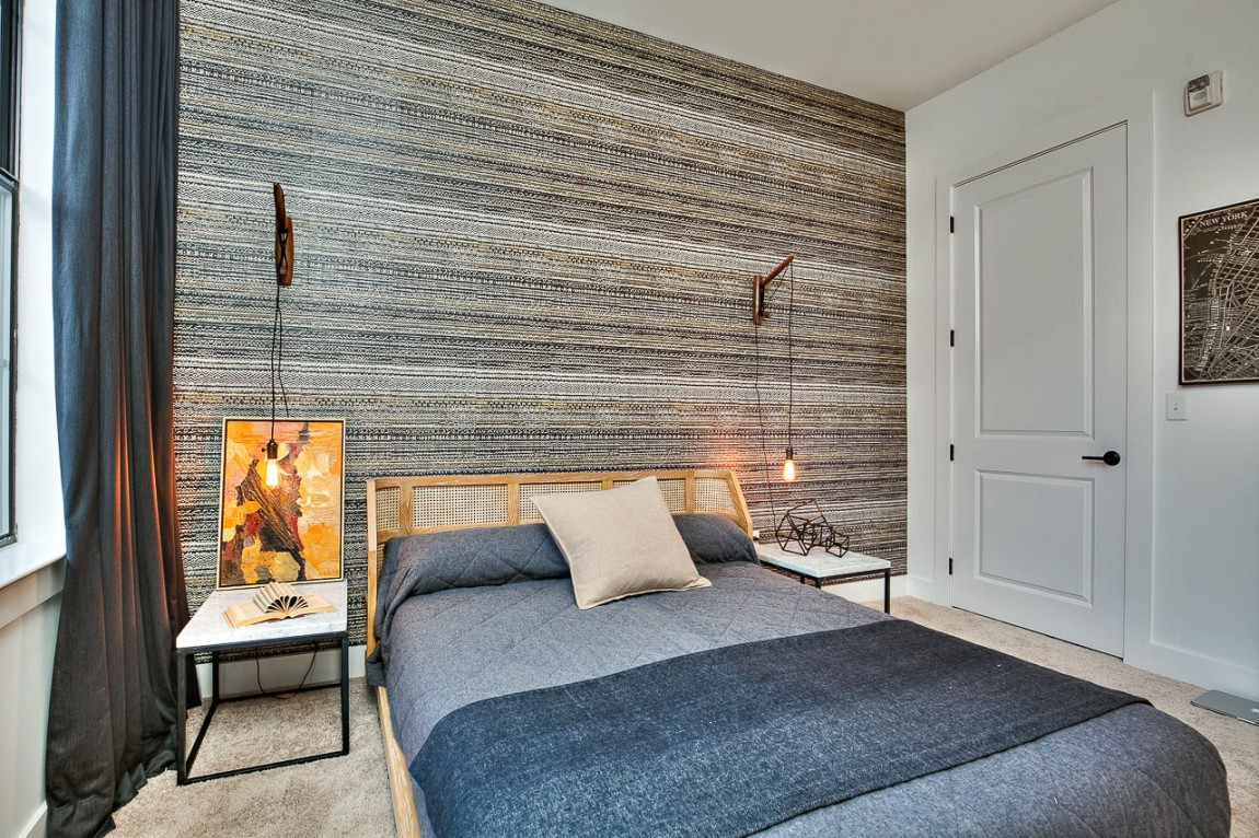 Accent wall in the bedroom with textural charm
