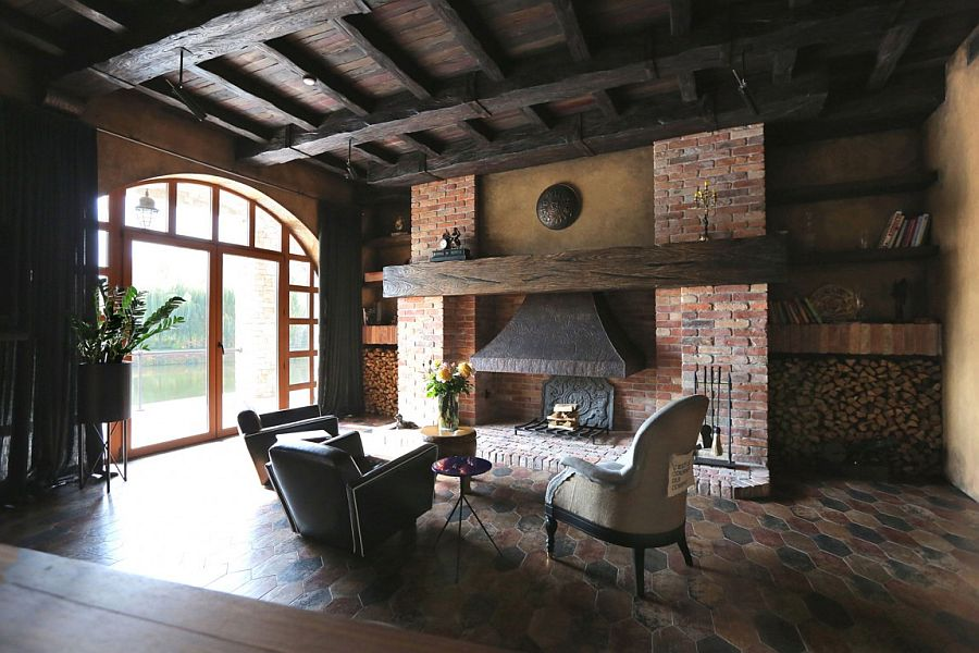 Age-old tapestry of XIX century and heavy oak beams shape the traditional interior