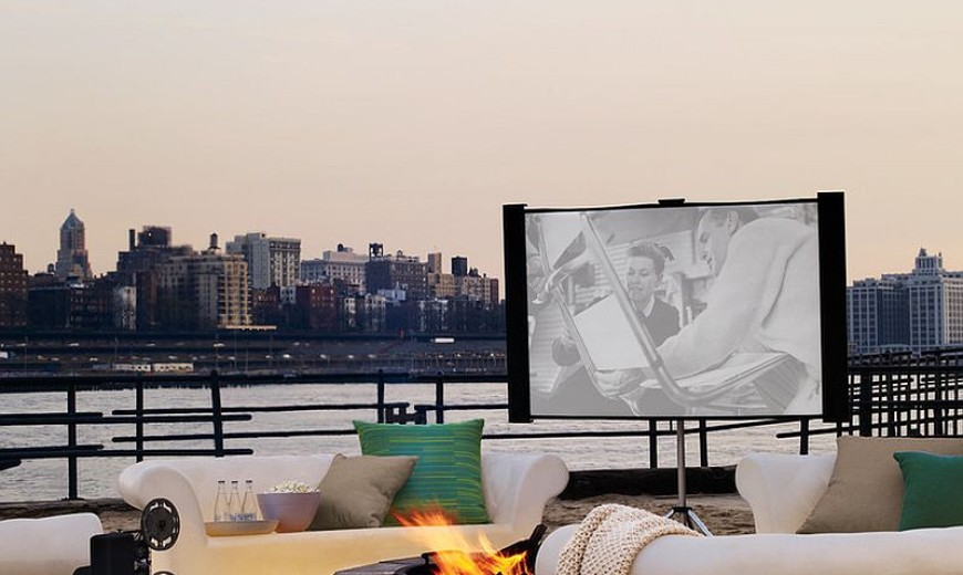 Open-Air Theater: How to Create an Entertaining Outdoor Movie Night!