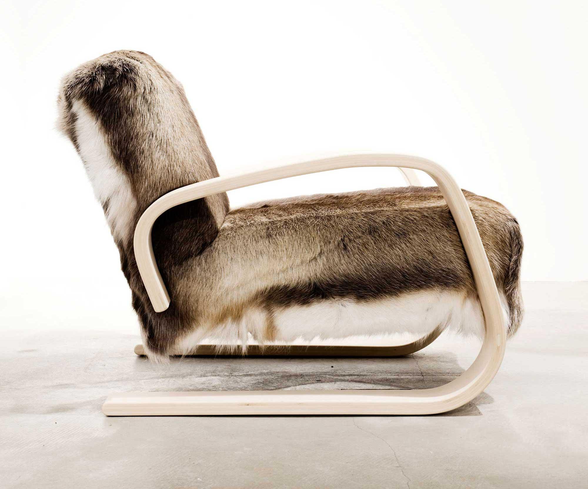 Alvar Aalto's iconic armchair 400 – beautiful design