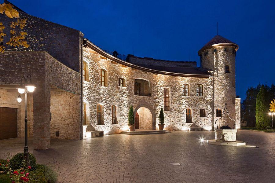 Amazing home in Kiev replicates classic Renaissance Italian style to perfection