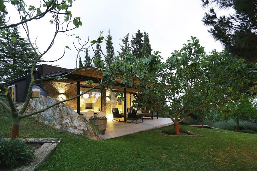 Beautiful Mountain Guest House in Barcelona has a tradtional charm