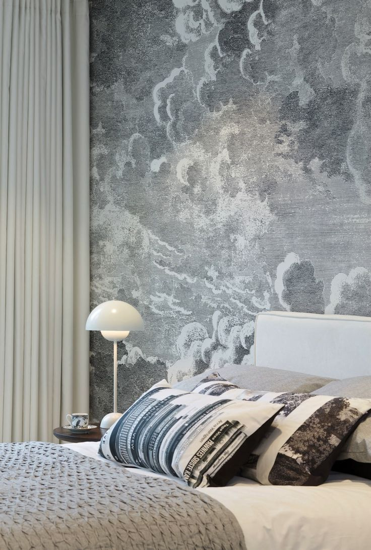 Bedroom with cloud wallpaper by Fornasetti at Cole Son - Cole Son Tapete