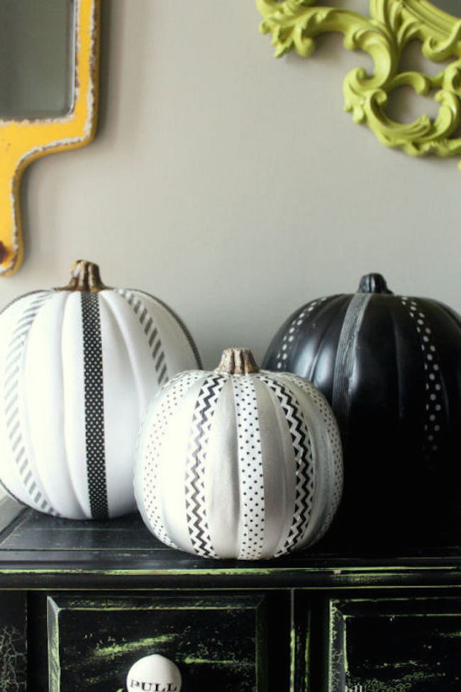 Black and white pumpkins with beautiful ribbon