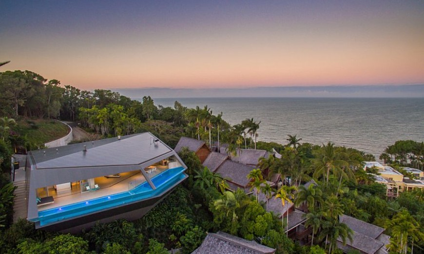 Living On the Edge: Grand, Futuristic Mansion Is a Modern Masterpiece!