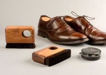 Canary Wharf brush with shoe polish