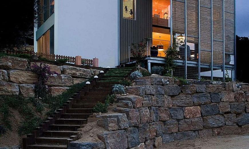 Solar Shading and Smart Design Shape Energy-Efficient Barcelona Home