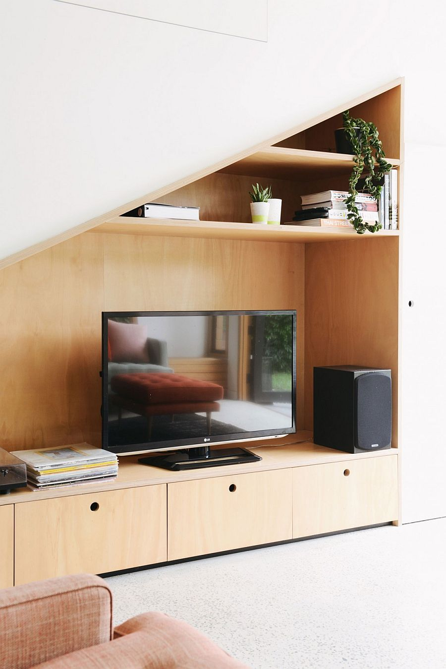 Clever living room niche contains the TV and entertainment options