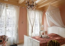 Colorful-modern-take-on-the-shabby-chic-style-217x155