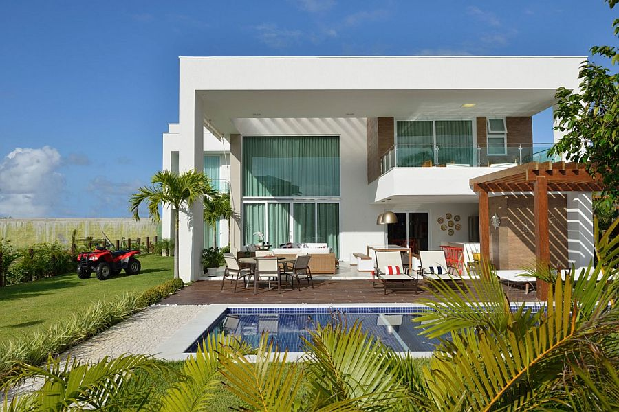 Contemporary beach house in Bahia, Brazil