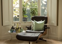 Cozy cushions coupled with the classic Eames Lounger