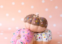 Donut pumpkins from Studio DIY 217x155 10 Unique Halloween Ideas for Design Lovers