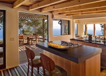 Exqusite kitchen of the Big Sur Cabin with ocean views