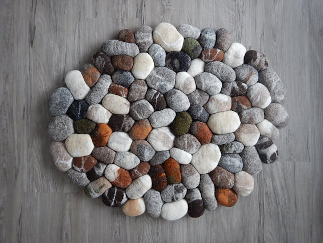Felt stone rug / bath mat with different colors by FlussDesign