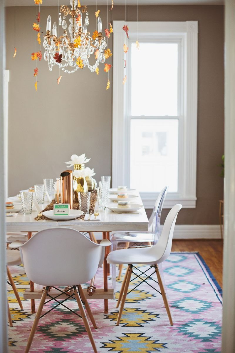 Friendsgiving celebration from A Beautiful Mess  From Halloween to Thanksgiving Dinner: Your Fall Holiday Checklist Friendsgiving celebration from A Beautiful Mess
