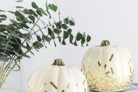 Gold confetti pumpkins from Homey Oh My! 20 Last-Minute Halloween Ideas with Modern Flair 20 Last-Minute Halloween Ideas with Modern Flair Gold confetti pumpkins from Homey Oh My