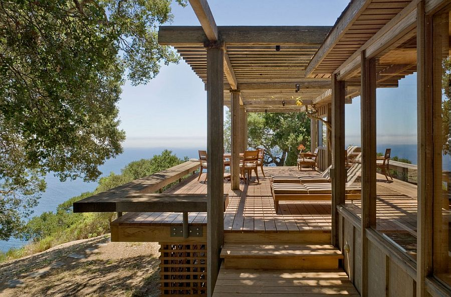 Gorgeous outdoor deck with relaxing lounge and ocean views