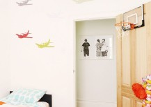 Kids-room-with-unique-wall-motif-217x155
