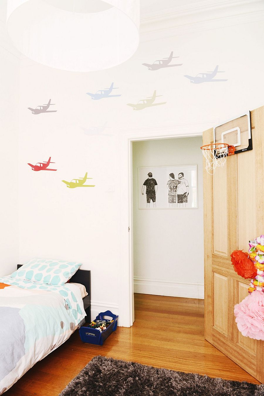 Kids' room with unique wall motif