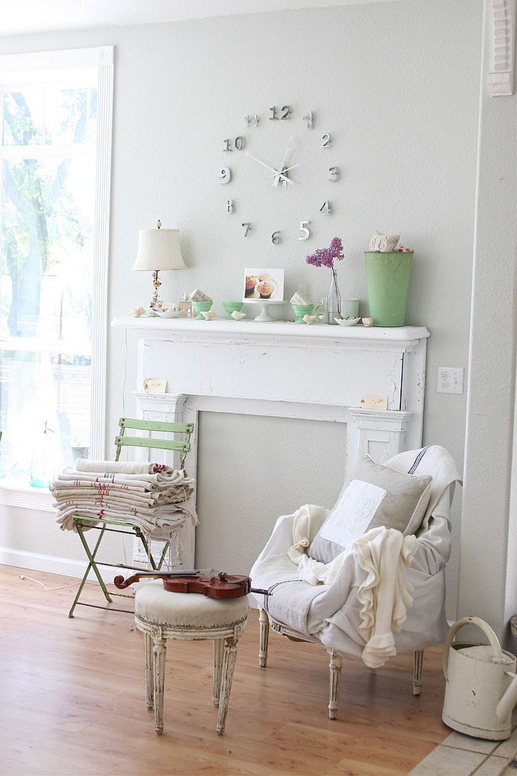 Living room shabby chic decorating idea [Design: Dreamy Whites]