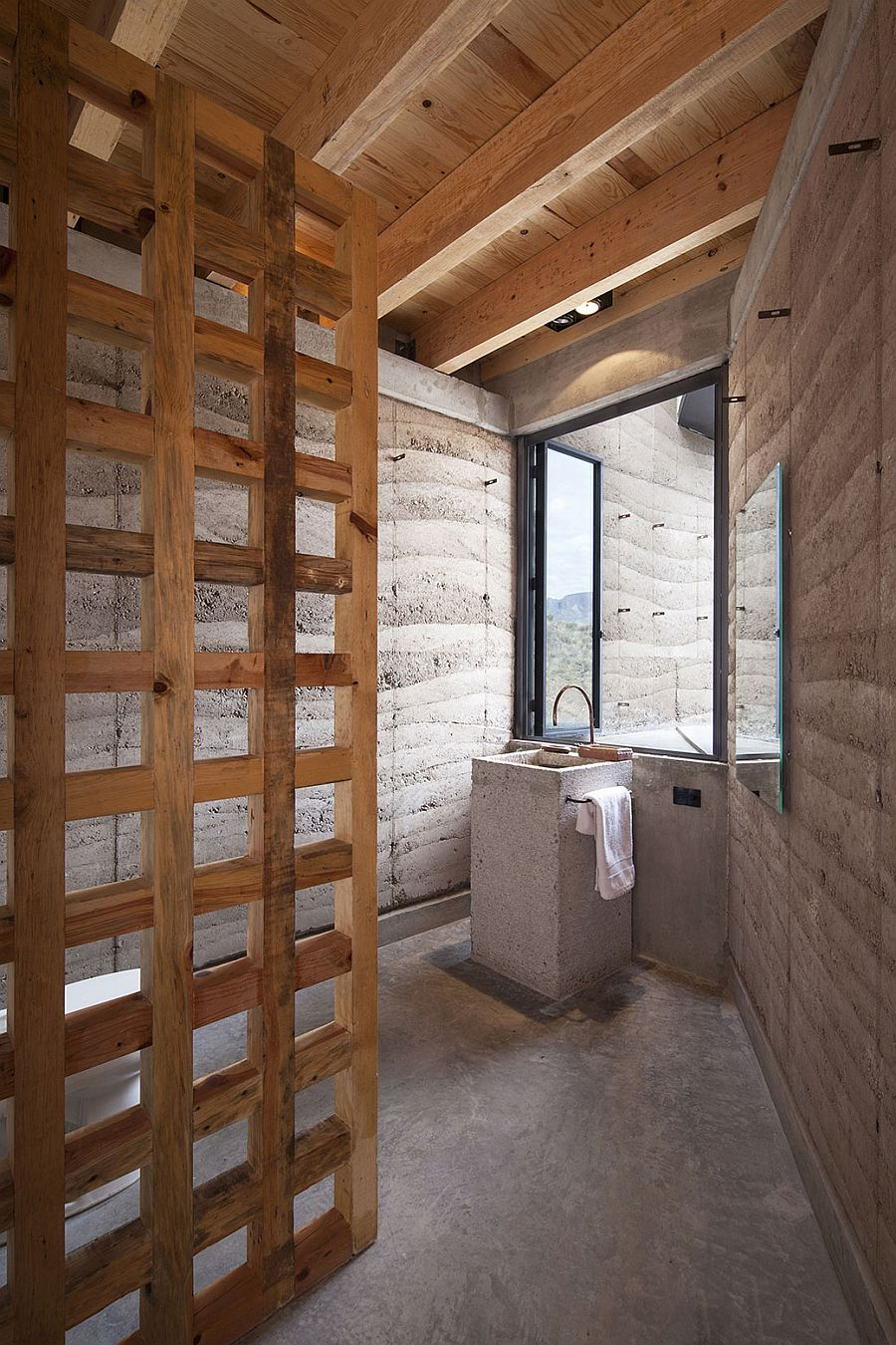 Lovely earthen walls offer natural insulation inside the house