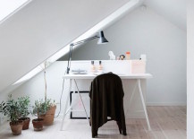 Minimal bright office area  217x155 15 Bright Attic Spaces for an Office or Studio
