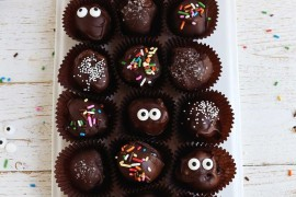 No-bake truffles from A Beautiful Mess 20 Last-Minute Halloween Ideas with Modern Flair 20 Last-Minute Halloween Ideas with Modern Flair No bake truffles from A Beautiful Mess