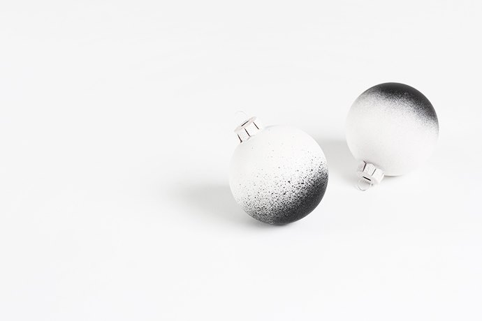 Ombre Christmas ornaments from MyDubio